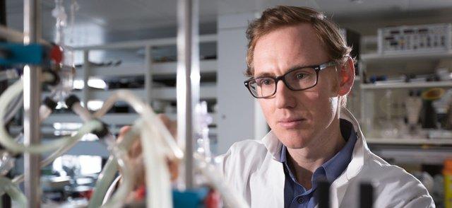 Dr Scott Bowen